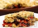 Рецепта Зеленчуков кренбъл с патладжани, чушки и лук на фурна